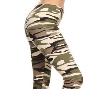 Women's camouflage leggings